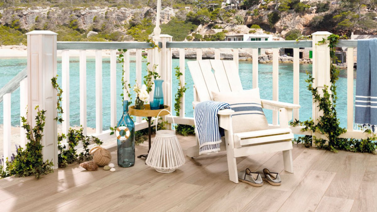 Anti-slip floor tiles. For an idyllic summer with maximum safety