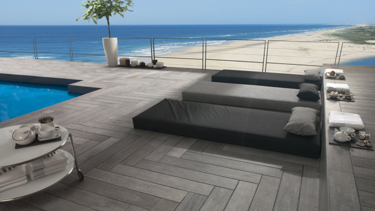 Swimming pools: Sumptuousness and reliability in Porcelanosa Grupo materials