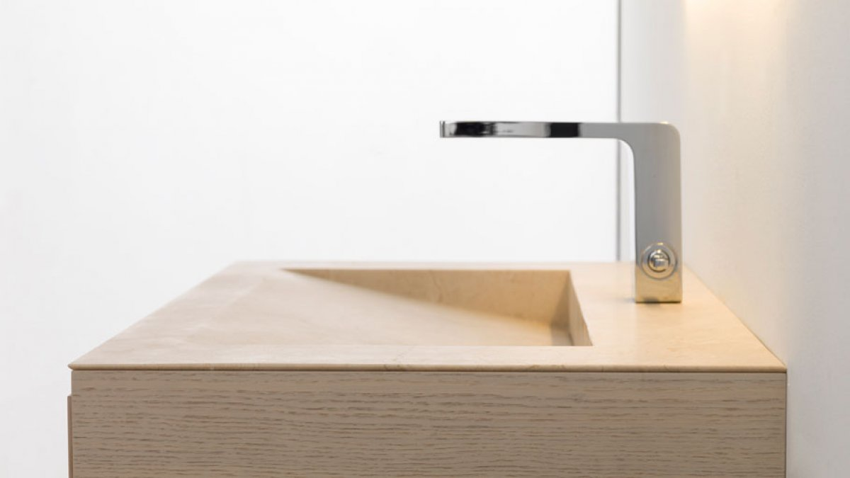 Wooden basins: naturalness and warmth in the bathroom